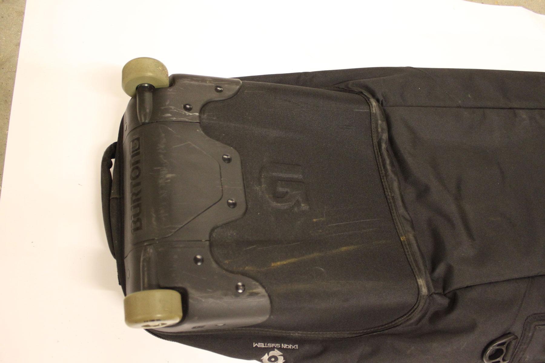 Used Burton Snowboard Bag with Wheels – Black – Very Good Condition 8 10 0414e4b00bb11